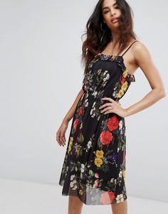 Платье на бретельках с цветочным принтом и сетчатой подкладкой Boohoo - Черный