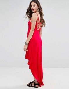 Асимметричное платье макси с бретельками Boohoo - Красный