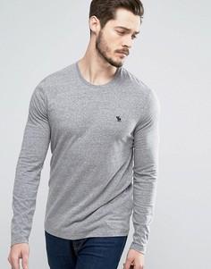Серый обтягивающий лонгслив с вышивкой лося Abercrombie & Fitch - Серый