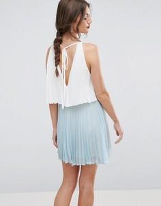 Ярусное плиссированное платье мини в стиле колор блок ASOS - Синий