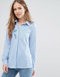 Рубашка в полоску с вышивкой QED London - Синий