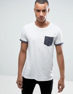 Узкая футболка с карманом в цветочек и отворотами на рукавах Esprit - Бежевый