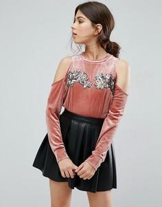 Бархатный свитшот с открытыми плечами и отделкой Love & Other Things - Розовый