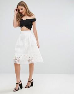 Короткая расклешенная юбка с сетчатым верхним слоем Forever Unique - Белый