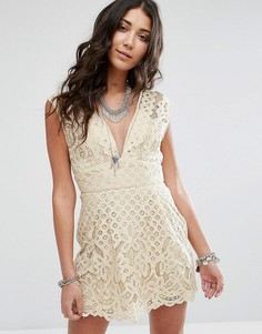 Кружевное платье молодежного стиля Free People One Million Love - Белый