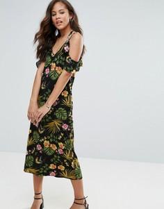 Платье миди с цветочным принтом и открытыми плечами Vero Moda Tall - Мульти