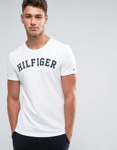 Белая футболка с круглым вырезом и логотипом Tommy Hilfiger - Белый