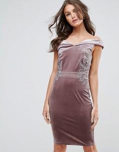 Бархатное платье с открытыми плечами Little Mistress - Бежевый