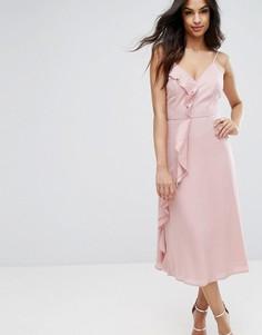 Платье миди на бретельках с оборкой PrettyLittleThing - Розовый