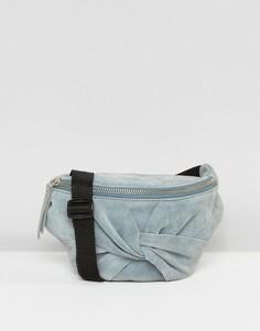 Замшевая сумка-кошелек на пояс с бантом ASOS - Синий