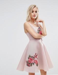 Сетчатое приталенное платье с вышивкой New Look - Розовый