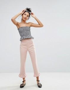 Укороченные брюки с оборками New Look - Розовый