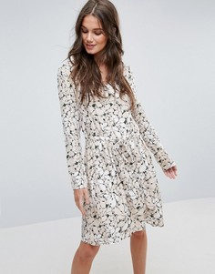 Чайное платье с цветочным принтом Y.A.S - Мульти