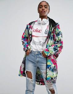 Куртка-дождевик с рукавами летучая мышь и ярким принтом ASOS - Мульти