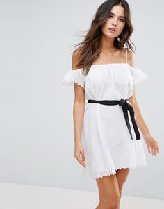 Платье с открытыми плечами Little White Lies - Белый