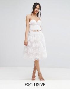 Комбинируемая кружевная юбка миди для выпускного с фигурным низом Chi Chi London - Мульти