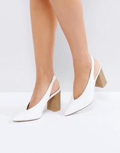 Туфли на блочном каблуке с ремешком через пятку New Look - Белый