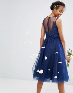 Платье миди из тюля с вышивкой и пуговицами на спине Chi Chi London - Темно-синий