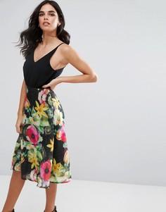 Шифоновое приталенное платье миди с цветочным принтом Ax Paris - Черный