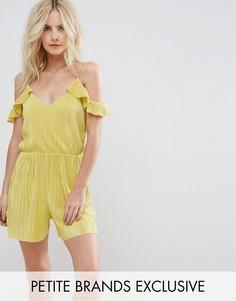 Плиссированный ромпер с открытыми плечами и оборками Missguided Petite - Желтый