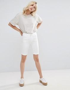 Джутовые джинсовые шорты удлиненного кроя Pieces - Белый