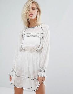 Жаккардовое платье со звездами Miss Selfridge - Белый