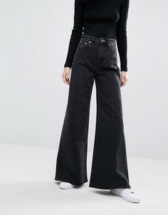 Широкие расклешенные джинсы Weekday Ace - Черный