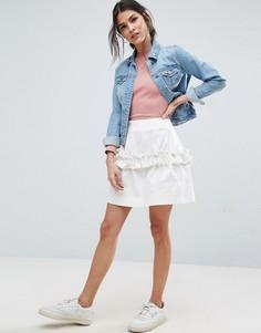 Саржевая мини-юбка с оборкой ASOS - Белый