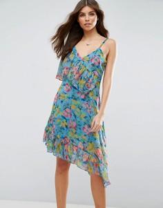 Чайное платье с рюшами, асимметричным краем и цветочным принтом ASOS - Мульти