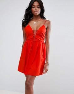 Летнее платье со шнуровкой ASOS - Красный