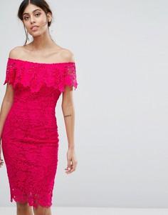 Платье миди с широким вырезом и оборкой Paper Dolls - Розовый