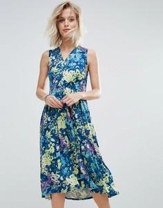 Приталенное платье миди с цветочным принтом Closet London - Мульти