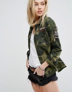 Камуфляжная куртка с нашивками Abercrombie & Fitch - Зеленый