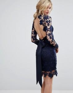 Ажурное платье с открытой спиной и длинными рукавами Club L - Темно-синий