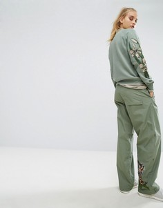 Широкие брюки с вышитым тигром Maharishi - Зеленый