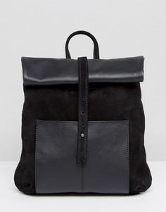 Рюкзак среднего размера с отделкой из кожи и замши ASOS - Черный