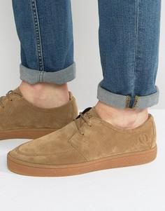 Замшевые кроссовки на крепированной подошве Fred Perry Shields - Бежевый