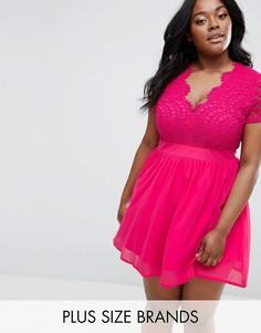 Короткое приталенное платье с кружевным лифом Club L Plus - Розовый