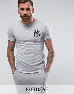 Длинная обтягивающая футболка Majestic Yankees эксклюзивно для ASOS - Серый