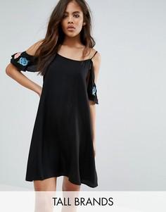 Платье с открытыми плечами и вышивкой Vero Moda Tall - Мульти