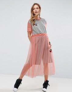 Сетчатое платье с вышивкой в виде вишен ASOS X LOT STOCK & BARREL - Розовый