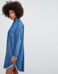 Джинсовое платье-рубашка с необработанным краем Weekday - Синий
