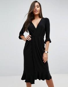 Платье миди с запахом и рюшами ASOS - Черный