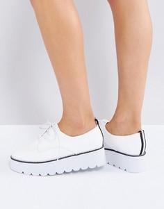 Туфли на массивной плоской подошве ASOS MISFIT - Белый
