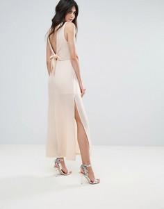 Платье макси с бантом и V-образным вырезом на спине Amy Lynn - Белый