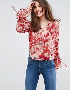 Красная легкая блузка с цветочным принтом и оборками ASOS - Мульти