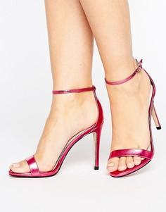 Розовые легкие босоножки на каблуке с эффектом металлик Steve Madden Stecy - Розовый
