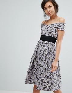Короткое приталенное платье с принтом бабочек Vesper - Мульти