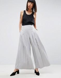 Широкие брюки со складками ASOS WHITE - Серый