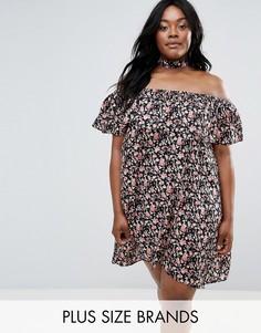 Платье с широким вырезом, оборкой и лентой вокруг шеи NVME - Мульти